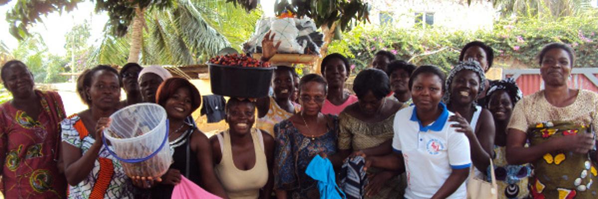 Un groupe de femme à l'atelier de Lomé