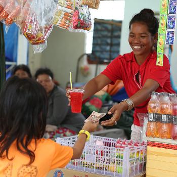 Une bénéficiaire d'un programme de microfinance sociale d'Entrepreneurs du Monde
